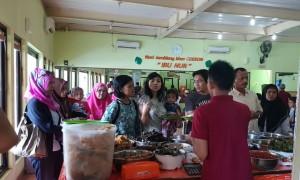 Warung 'Nasi Jamblang Ibu Nur' di Jalan Cangkring 2, Cirebon, Jawa Barat   Foto : Istimewa