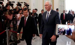 Wapres Jusuf Kalla dan Wapres AS Michael Pence. | Foto : Istimewa.