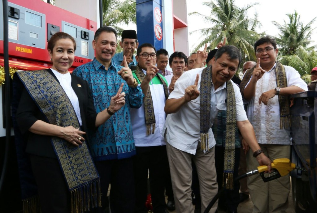 Seremonial peresmian beroperasinya SPBU SPBU Modular di Kalimantan Barat. | Foto : Pertamina.