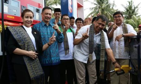Seremonial peresmian beroperasinya SPBU SPBU Modular di Kalimantan Barat.   Foto : Pertamina.